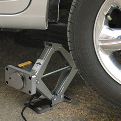 12V DC Electric Car Jack  Model# Q-HY 1500S