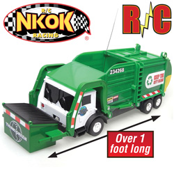 Remote Controlled Garbage Truck With Lights&nbsp;&nbsp;Model#&nbsp;80962