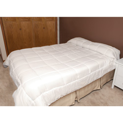 White Down Alternative Comforter - Queen  Model# POSH-DAC-WI-FQC