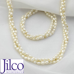 Triple Strand Pearl Bracelet &amp; Necklace Set&nbsp;&nbsp;Model#&nbsp;JNP7BF