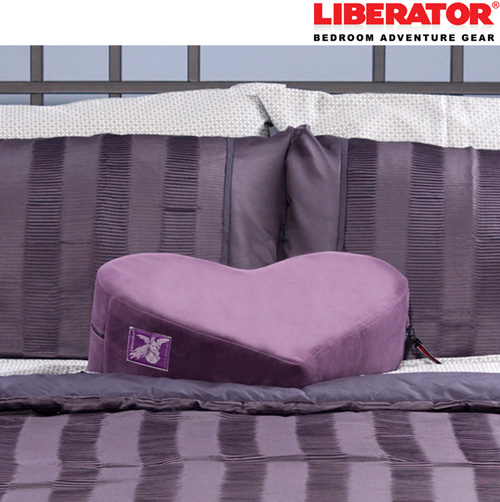 'Liberator Décor Heart Wedge'