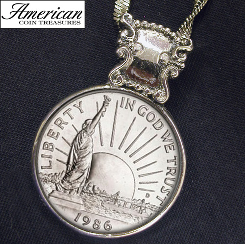 '1986 Statue of Liberty Commemorative Half Dollar Coin Pendant'